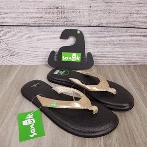NWT Sanuk 5 Yoga Chakra Metallic Thong Sandals